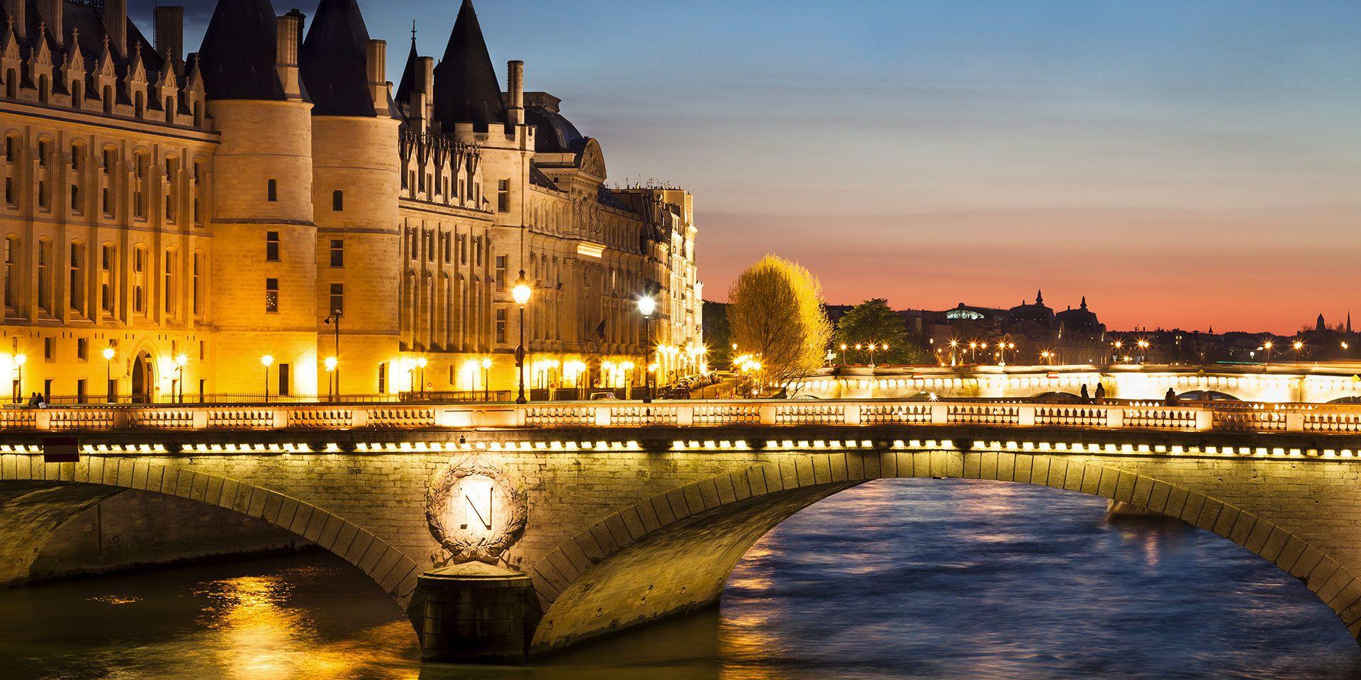hotel victoria chatelet les halles hotel de charme paris centre. Black Bedroom Furniture Sets. Home Design Ideas